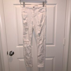 Topshop distressed white skinny jean (size 26)